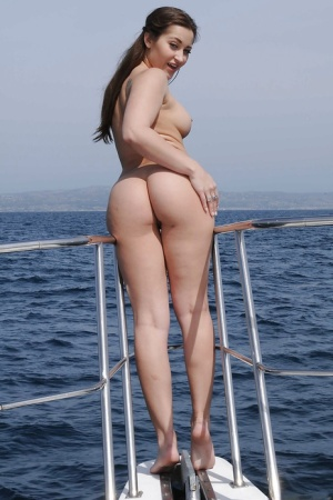 Masturbating babe Dani Daniels does it on a boat outdoor