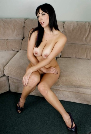 Hot MILF with jet black hair bares her perfect tits and then her trimmed muff